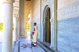 Royal Guard on Duty at Mausoleum of Mohammed V, Rabat, Morocco, North Africa, Africa Reproduction photographique par Neil Farrin