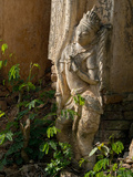 Old Abandoned Buddhist Temples in the Inle Lake Region, Shan State, Myanmar Reproduction photographique par Julio Etchart