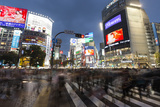 Neon Signs and Pedestrian Crossing (The Scramble) at Night, Shibuya Station, Shibuya, Tokyo, Japan Stampa fotografica di Stuart Black