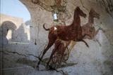 Roman Chariot Fresco, Ancient Ostia (Ostia Antica), Rome, Lazio, Italy, Europe Fotografisk tryk af Oliviero Olivieri