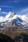 Matterhorn Surrounded by Clouds, Zermatt, Canton of Valais, Pennine Alps, Swiss Alps, Switzerland Fotografisk tryk af Roberto Moiola