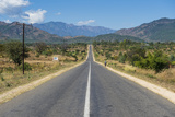 Long Straight Road in Central Malawi, Africa Fotografisk tryk af Michael Runkel