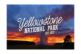 Yellowstone National Park - Old Faithful Sunset Plakater af Lantern Press