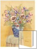 Bouquet in Asian Vase II Wood Print by Wendy Russell