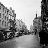 Cornmarket Street in Oxford, 1952 Photographic Print by  Staff