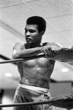 Muhammad Ali Takes a Breather from Training Reproduction photographique par Cyril Maitland
