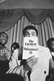 Muhammad Ali Promoting New Book in London, 1976 Reproduction photographique par Monte Fresco