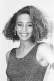 Whitney Houston in London 1985 Fotografisk tryk af Gavin Kent