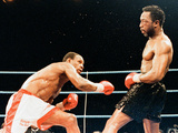 Chris Eubank V Nigel Benn Fight at the Nec in Birmingham, 1990 Lámina fotográfica por Brendan Monks