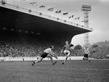 English League Division One match at Hillsborough, 1962 Fotodruck von John Varley