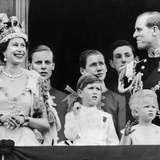 Royal Family on Balcony after the Coronation 1953 Fotografisk tryk af Daily Mirror