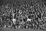 Manchester United Footballer George Best 1966 Fotografisk tryk af Sheppard