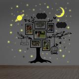 Family Photo Tree with Glow in the Dark Stars Adhésif mural
