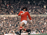 George Best Action for Manchester United October 1971 Fotografisk tryk af  Staff