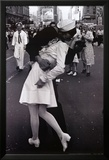 Kissing on VJ Day Photo