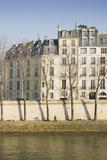 Apartments on the River Seine in Paris, France Fotografisk tryk af Robert Such
