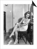 Frau beim Ankleiden, 1933 Prints by  Scherl
