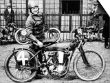 Fw Dixon with a Harley-Davidson, 1923 Affiche