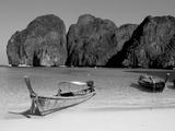 Ao Maya, Phi Phi Le, Ko Phi Phi, Krabi Province, Thailand, Southeast Asia Fotografisk tryk af Bruno Morandi