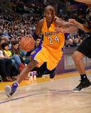 San Antonio Spurs v Los Angeles Lakers Photo by Andrew D Bernstein