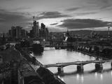 Skyline, Frankfurt-Am-Main, Hessen, Germany Impressão fotográfica por Walter Bibikow