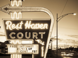 USA, Missouri, Route 66, Springfield, Rest Haven Court Motel Metal Print by Alan Copson
