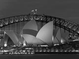Sydney, operahuset i skymning, Australien Fotografiskt tryck av Peter Adams