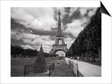 Eiffel Tower Topiary - Paris, France Poster von Henri Silberman