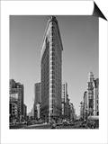Flat Iron Building Morning - New York City Landmarks Plakater av Henri Silberman