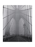 On the Brooklyn Bridge, Fog, Close-Up - New York City Icon Reprodukcja zdjęcia autor Henri Silberman