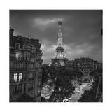 Eifffel Tower Evening - Paris Landmarks, France Fotografisk tryk af Henri Silberman