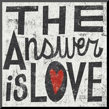 The Answer is Love Grunge Square Monterat tryck av Michael Mullan