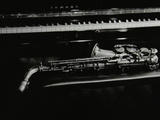 Saxophone and Piano, the Fairway, Welwyn Garden City, Hertfordshire, 7 May 2000 Fotografisk tryk af Denis Williams