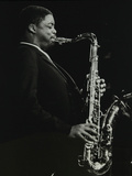 Courtney Pine Playing Tenor Saxophone at the Forum Theatre, Hatfield, Hertfordshire, 8 April 1987 Reproduction photographique par Denis Williams