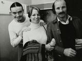 Weather Report Band Members Jaco Pastorius and Joe Zawinul with Jacki Kirkham-Pamflett at the Odeon Papier Photo par Denis Williams