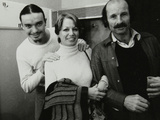 Weather Report Band Members Jaco Pastorius and Joe Zawinul with Jacki Kirkham-Pamflett at the Odeon Fotodruck von Denis Williams