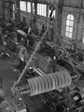 A Busy Foundry Shop Floor with Lathes, Wombwell, Near Barnsley, South Yorkshire, 1963 Fotografie-Druck von Michael Walters