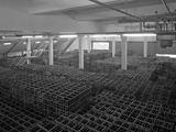 Warehouse Full of Crates of Bottles, Ward and Sons, Swinton, South Yorkshire, 1960 Fotografisk tryk af Michael Walters