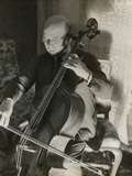 Pablo Casals, the Great Cello Player in His Home in Barcelona Foto