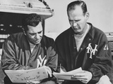 Ny Giants Coaches, Tom Landry and Vince Lombardi Reviewing Play Charts Foto