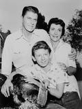 Nancy Davis, Ronald Reagan, Tommy Nolan and a Live Turkey Pose for G Photo