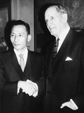 Park Chung-Hee and Retired General Douglas Macarthur Shake Hands Photo