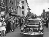 President Eisenhower Is Welcomed by Crowd in Gettysburg on Nov Photo