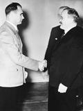 Rudolf Hess (Left) Greeted Russian Premier Vyacheslav Molotov in Berlin on Nov. 12, 1940 Foto