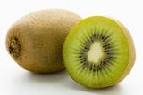 Half and Whole Kiwi Fruit Fotografisk tryk af Greg Elms