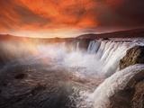 Godafoss Deep Red Fotografisk trykk av Marco Carmassi