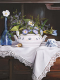 Afternoon Tea con Bottiglia Blu Giclee Print by Danka Weitzen