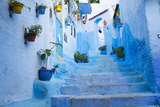 Chefchaouen, Morocco. Narrow Alleyways for Foot Traffic Only Fotografisk tryk af Emily Wilson