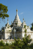 Myanmar. Mandalay. Inwa. White Temple Surrounded by Greenery Papier Photo par Inger Hogstrom
