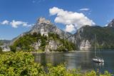 Church Overlooking Traunsee Lake, Traunkirchen, Upper Austria, Austria Fotodruck von Peter Adams